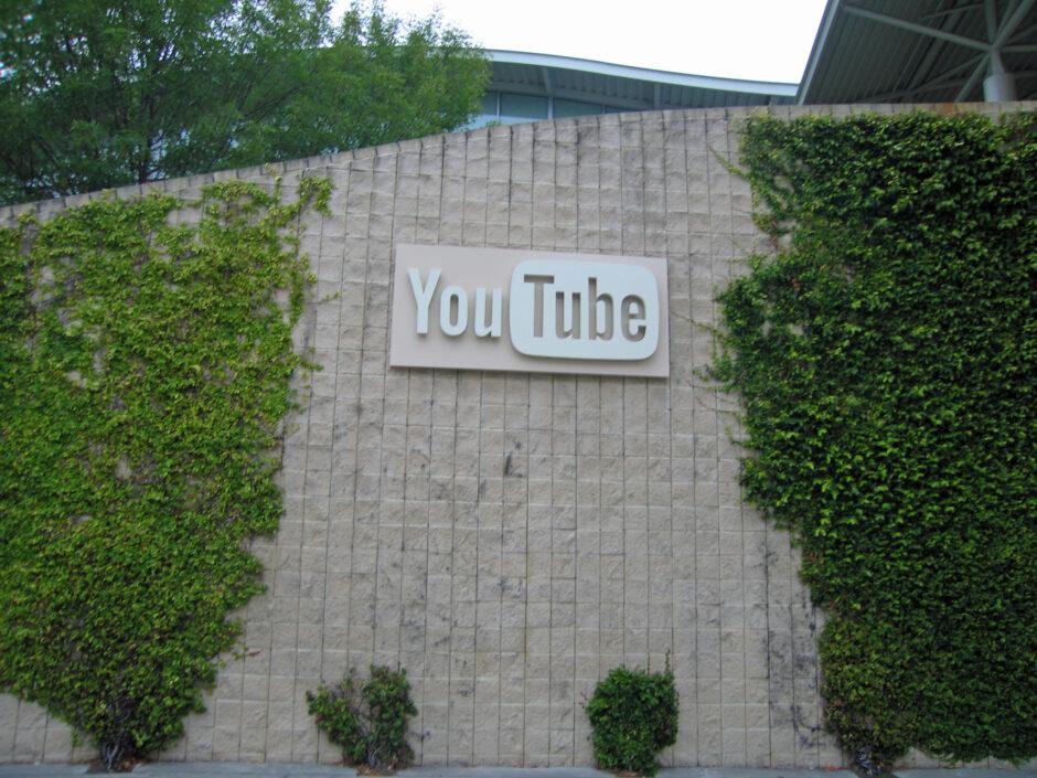 YouTube (все още) не отговаря за своите потребители 1